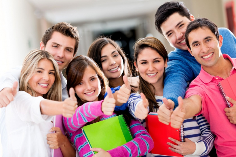 Скидки студентам - 10% на лечение зубов!